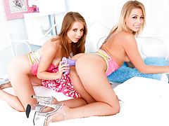 Glamorous lesbians Zoey and... porn video