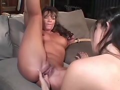 Lesbo cutie fingering and... porn video