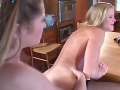 Lesbo slutty w strapon... porn video